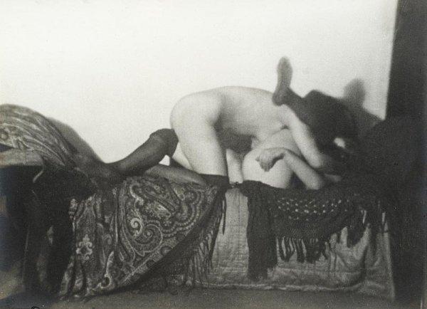 "1012:  ""GERMAINE KRULL (1897-1985)Les amies, 1924.Tirag"