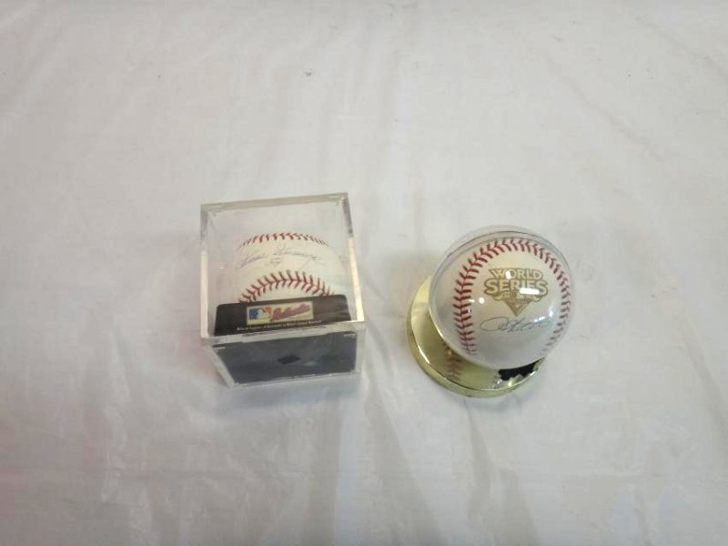 2 NEW YORK YANKEES SIGNED BALLS - 2