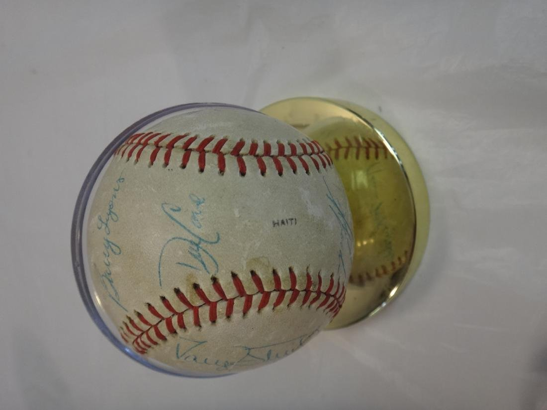 CLASSIC NY YANKEE SIGNED BALL/METS TEAM BALLS SIGNED - 9