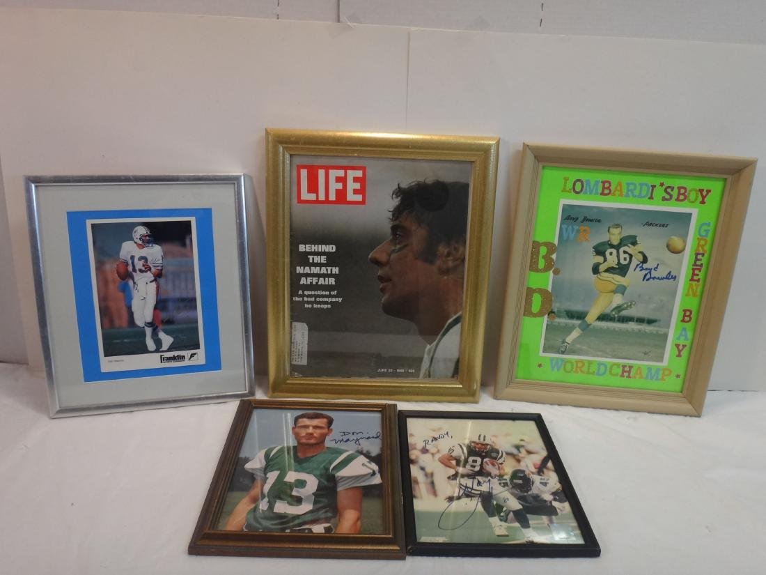 FOOTBALL PLAYERS SIGNED LOT - 2