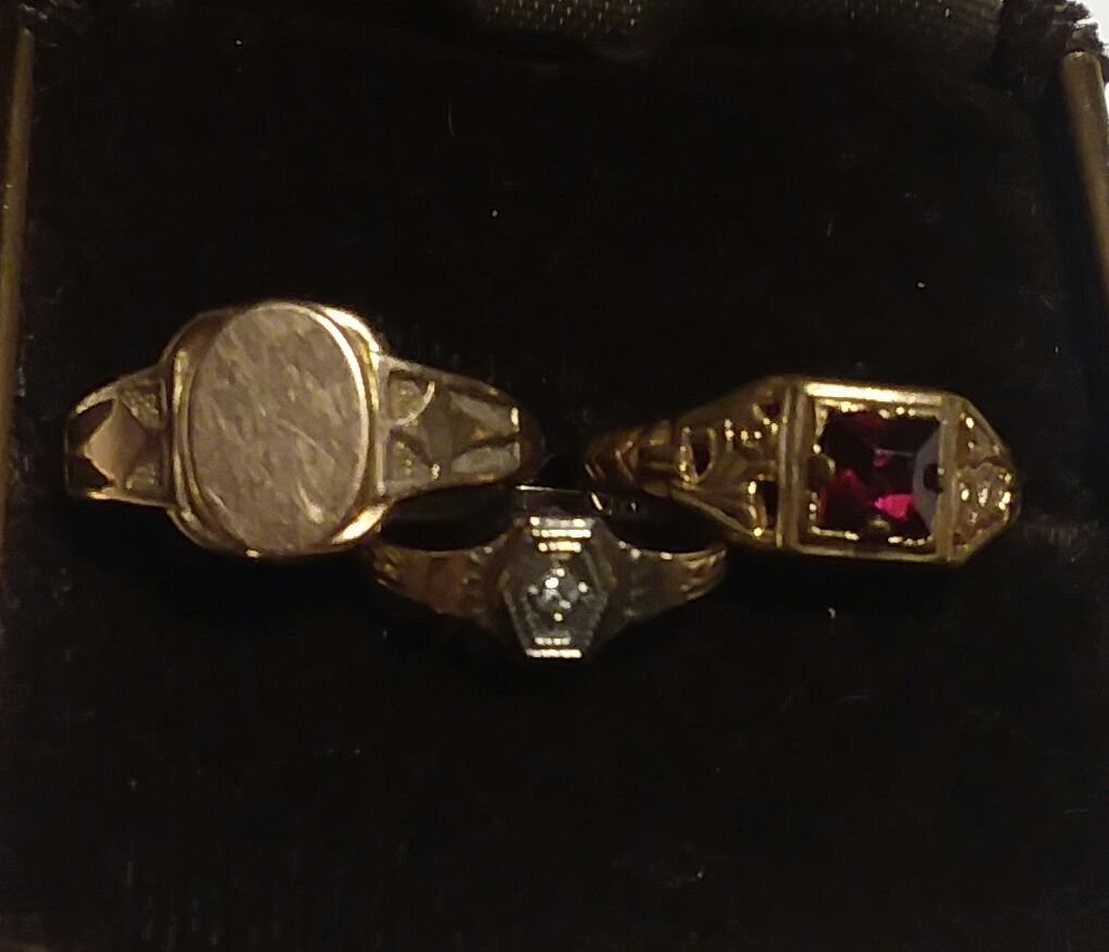 3 ANTIQUE CHILDS GOLD, DIAMOND AND RUBY RINGS - 2