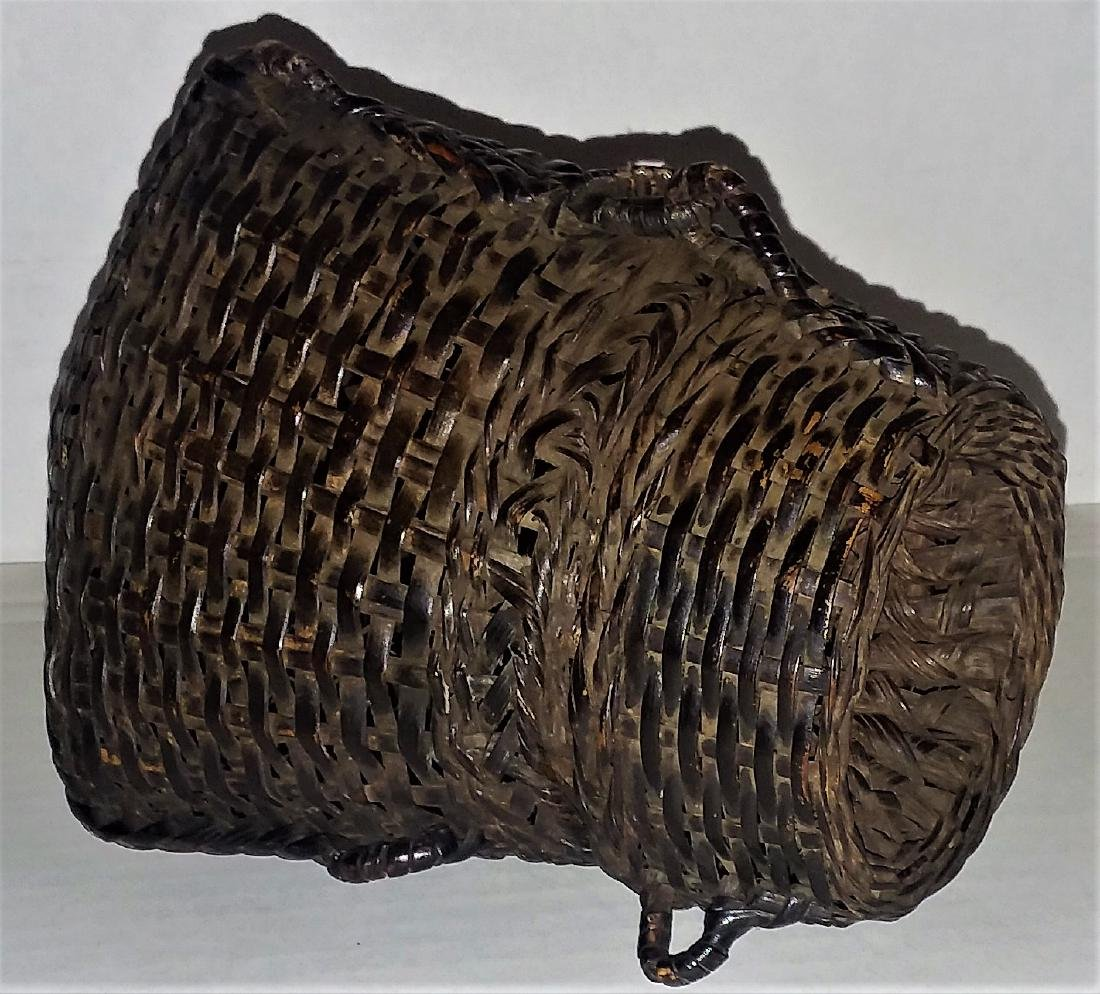THREE EXCEPTIONAL ASIAN PACIFIC SPLINT BASKETS. - 4