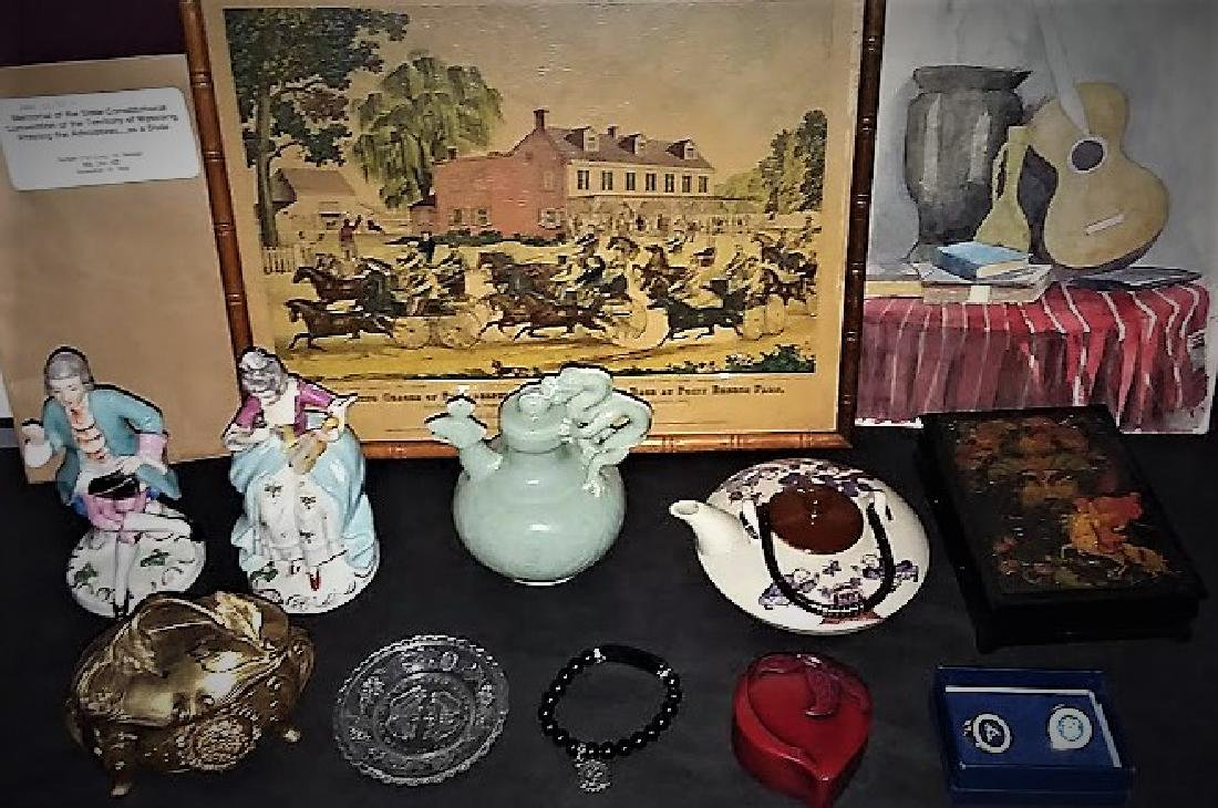 A MULTI PIECE ANTIQUE & VINTAGE SHOPKEEPERS LOT