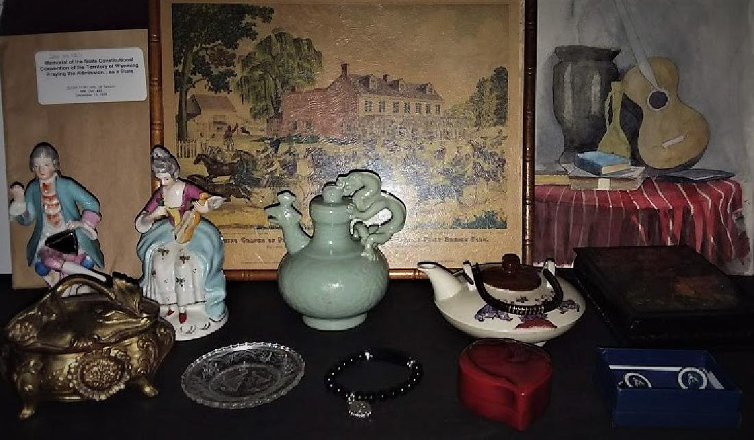 A MULTI PIECE ANTIQUE & VINTAGE SHOPKEEPERS LOT - 2