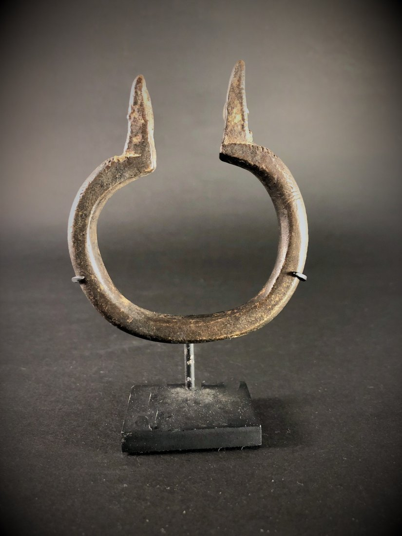 FINE AFRICAN 17th C. LOBI BRACELET - WEAPON