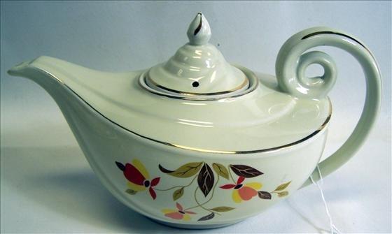 6006: Hall Teapot Aladdin Style