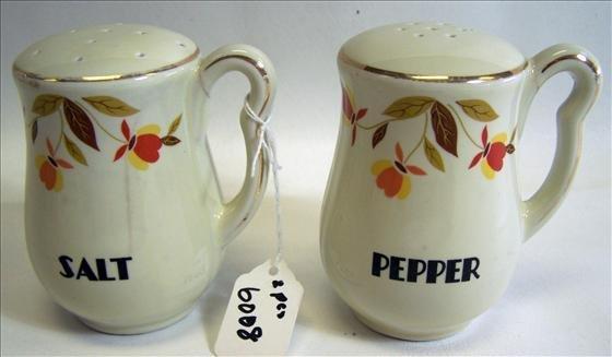 6008: Hall Autumn Leaf Pattern Salt & Pepper
