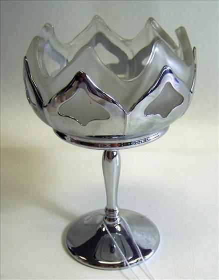 6016: Farberware Pedestal Candy Dish