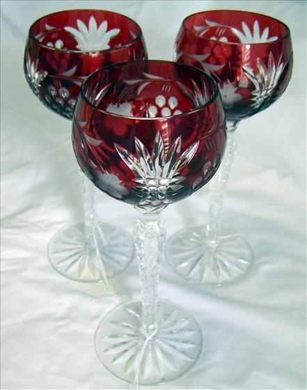 4005: 3 Crystal stemmed Glasses