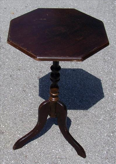 2007: Pedestal octagon table