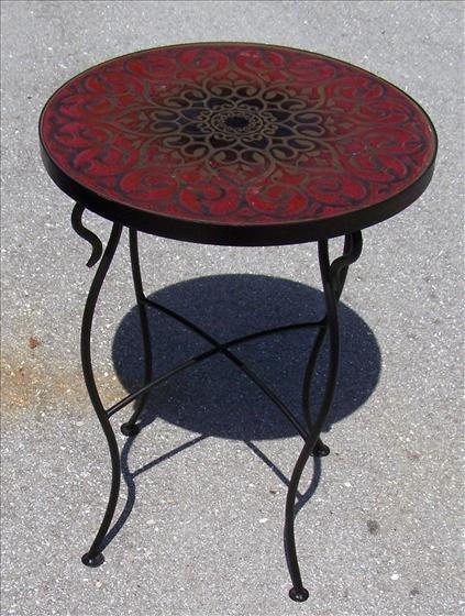 2010: Round iron table