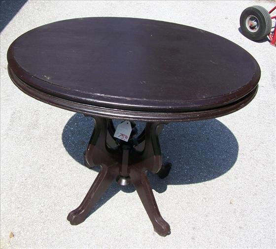 2011: Oval table - Victorian style