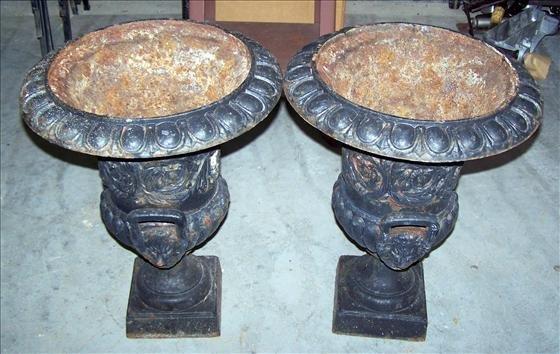 2027: 2 Antique Iron urns