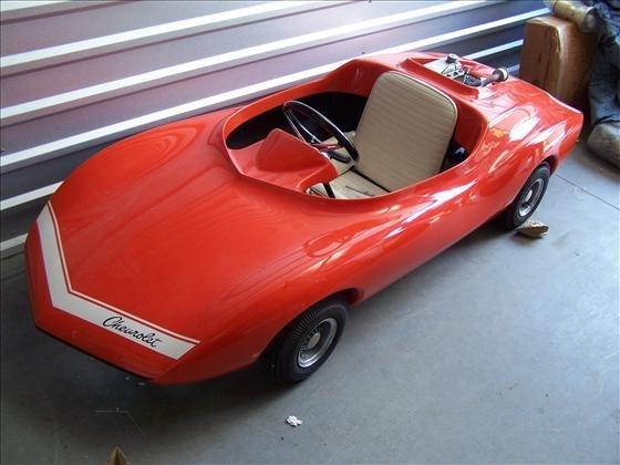2032: Pedal car - Red Corvette kids