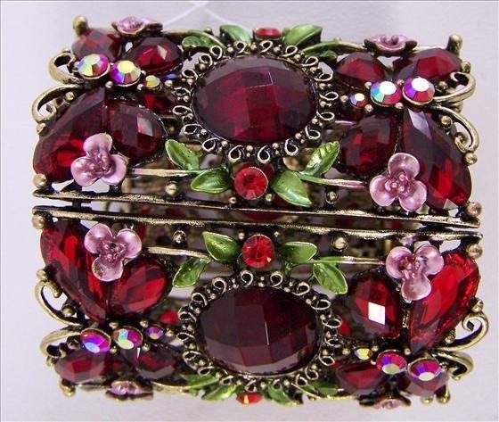 3017: Bracelet cuff - Red crystals