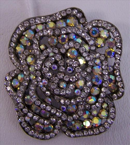 3020: Crystal and black broche or penden