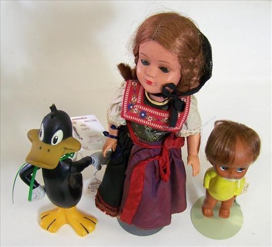 6020: 3 dolls Dutch celluloid pigtails