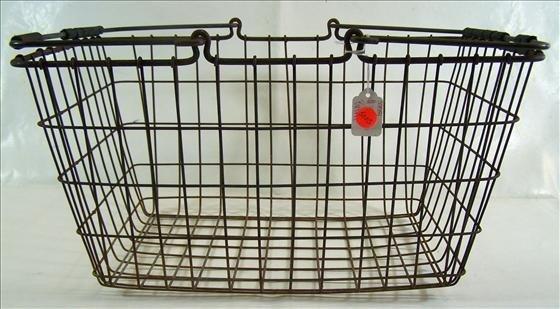 "5005: Iron basket 19 1/2"" X 10 1/2"""