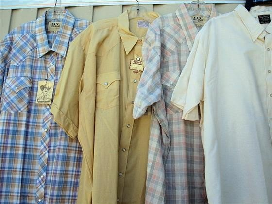 1022: 4 Men's Shirts, Short Sleeve