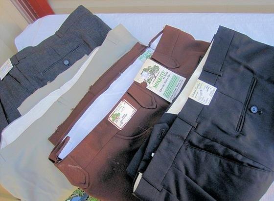 1023: 4 pr. Men's Slacks/Pants