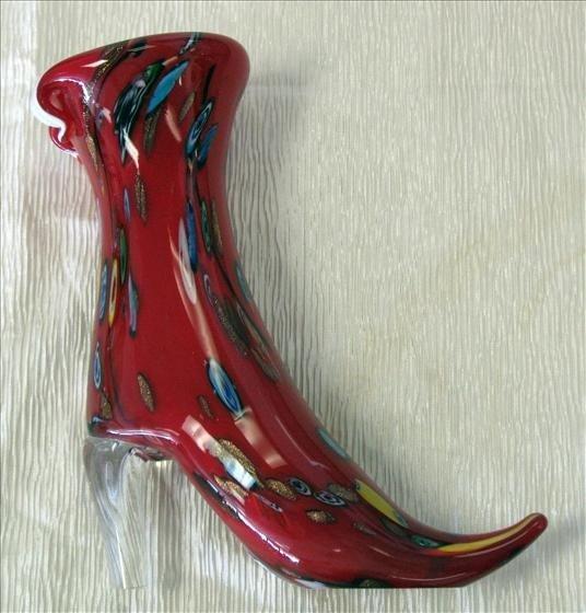 4005: 1 Murano Millefiori Red Boot Vase