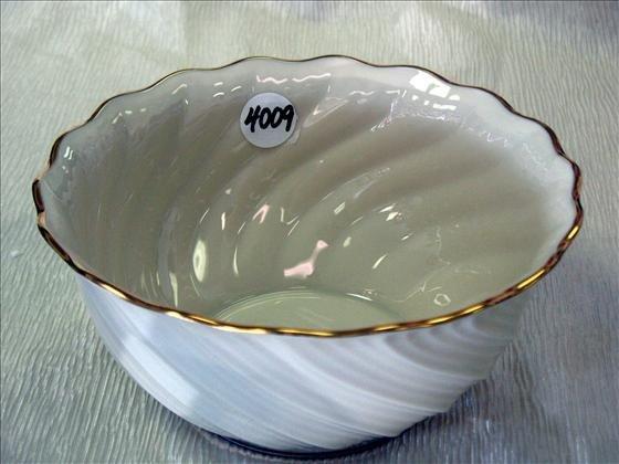 4009: 1 Lenox Swirl Bowl, Gold Mark
