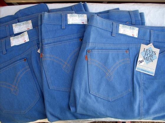 1304: 4 pr. Men's Levi's demin Jeans