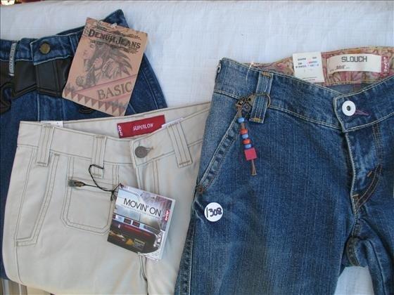 1308: 3 pr. Women's? Misses? Jr's Jeans
