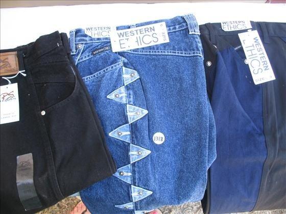 1318: 3 Pr. Women's Jeans