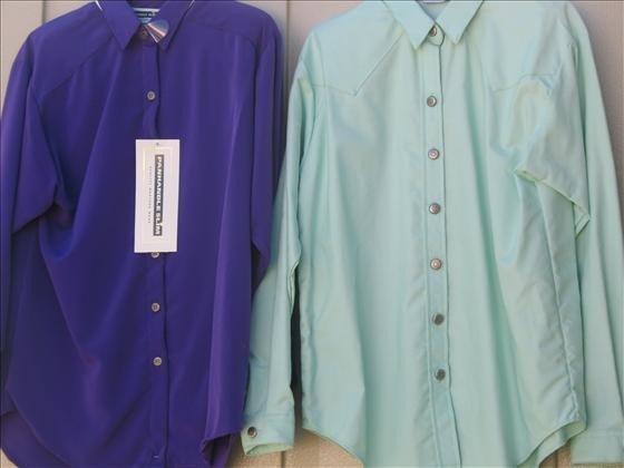 1323: 2 Women's? Long Sleeve Collar Shirts