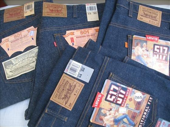 1355: 4 pr. Men's Levi's Blue Denim Jeans