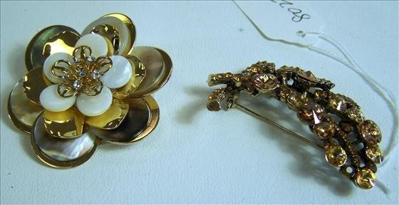 8022: Murano Glass - 2 pins