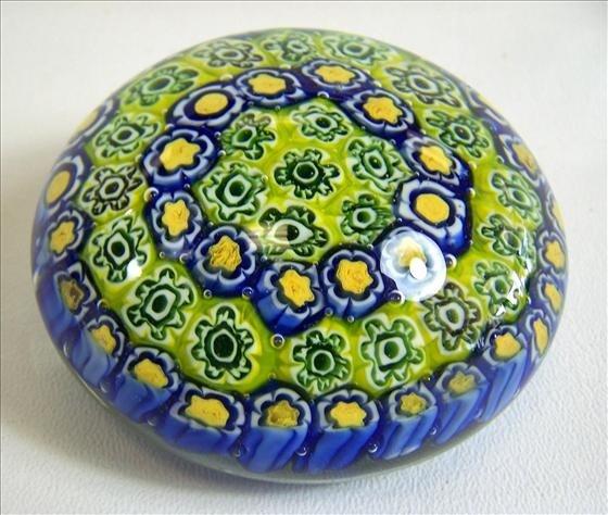 8024: Murano Glass - Paperweight