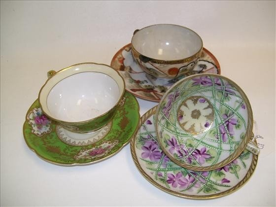 6003: 3 sets cups and saucers