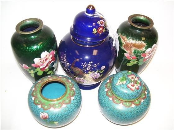 6007: 5 pc closeness' and china vases