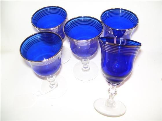 6009: 5 stems blue with silver trim
