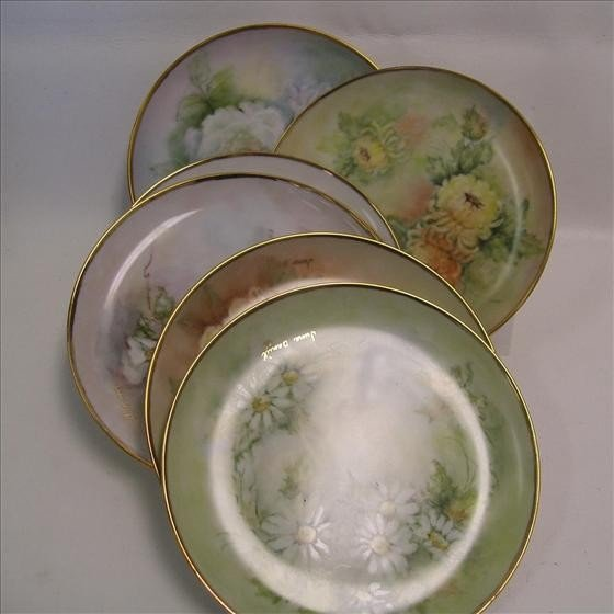 6017: 8 hand painted dishes
