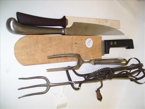 6023: 6 pc knives - beater old and new
