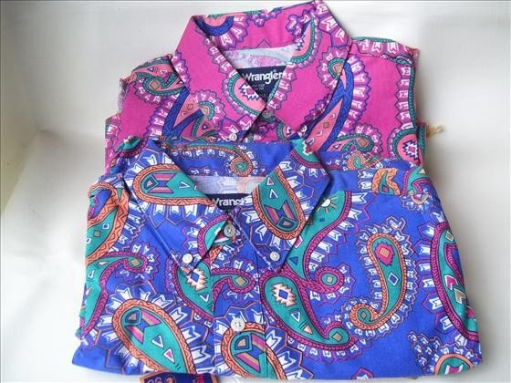 1315: 2 men's short sleeve shirts size 16