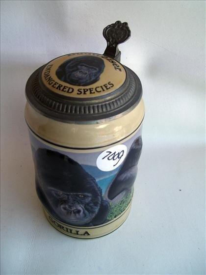 7009: Gorilla - Budweiser Endangered series