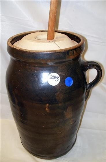 2003: Butter churn with lid and paddle