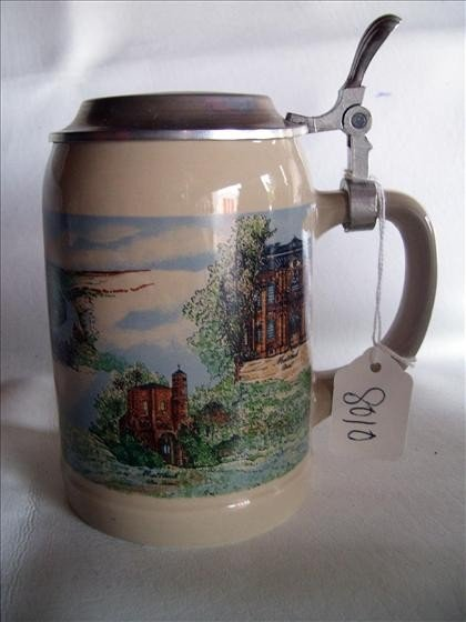 8010: Villeroy and Boch - flat top stein