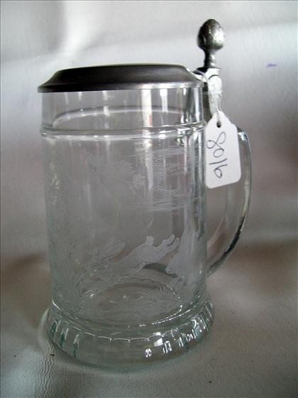 8016: Glass Etched Flat Lid Stein