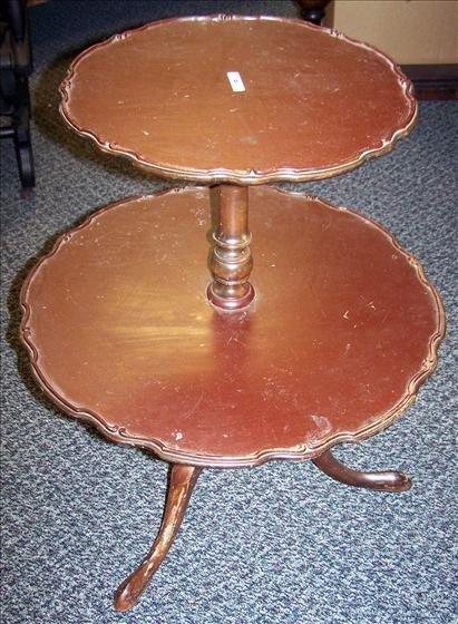 5014: 2 tier pie top mahogany table