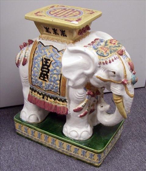 5151: Garden stool elephant