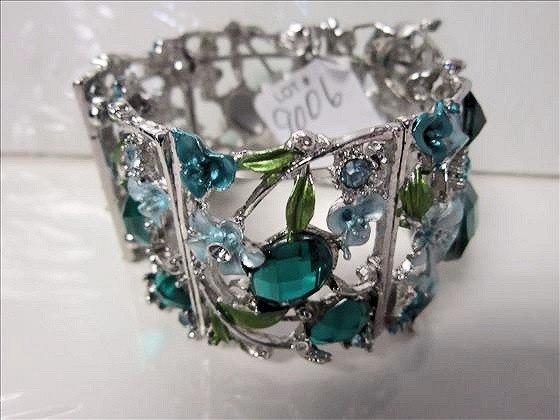 9006: Murano cuff bracelet