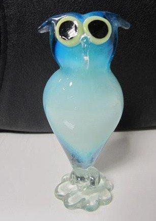 9023: Murano glass owl blue
