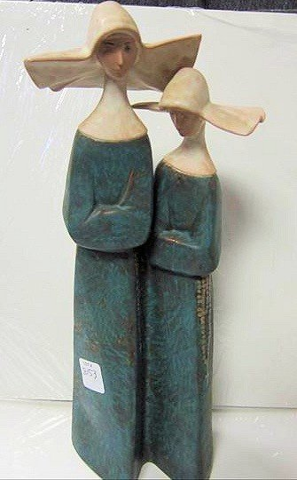 8153: LLardro pair of Nuns