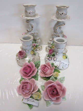 4002: 8 pc - Candle holders and flowers
