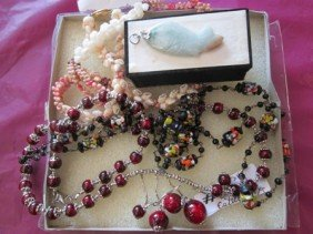 6024: 5 pc assorted jewelry